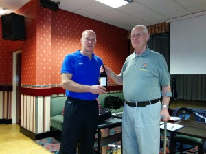 Guest speaker Nigel Miller receiving a small token of appreciation from Vice Chairman Ken Barker.